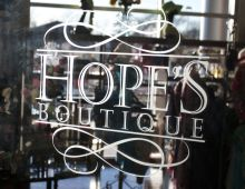 Hope's Boutique Logo